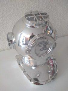Divers Helm side